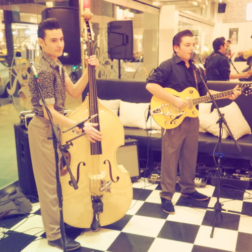 Young Melbourne rockabilly duo The Tennessee Two
